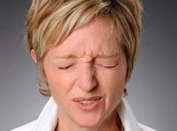 Ботулотоксин применяется для лечения блефароспазмов