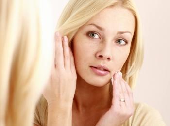После процедуры возможно появление неприятных последствий, которые может устранить косметолог