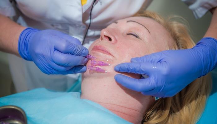Во время проведения процедуры пациент не испытывает болевых ощущений
