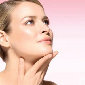Красота и молодость кожи поддерживается препаратами на основе гиалуроновой кислоты