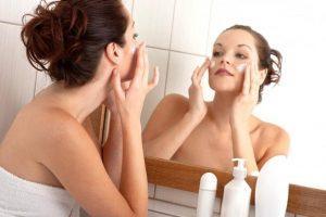 Вещества и витамины,содержащиеся в косметических средствах способны продлить молодость кожи